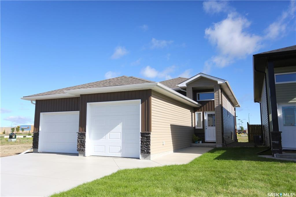 Main Photo: 263 Fortosky Crescent in Saskatoon: Parkridge SA Residential for sale : MLS® # SK700875
