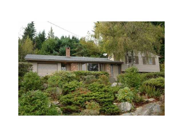 Main Photo: 498 CRAIGMOHR Drive in West Vancouver: Glenmore House for sale : MLS® # V872678