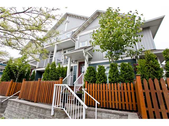 "Main Photo: 59 6300 LONDON Road in Richmond: Steveston South Townhouse for sale in ""MCKINNEY CROSSING"" : MLS®# V895708"