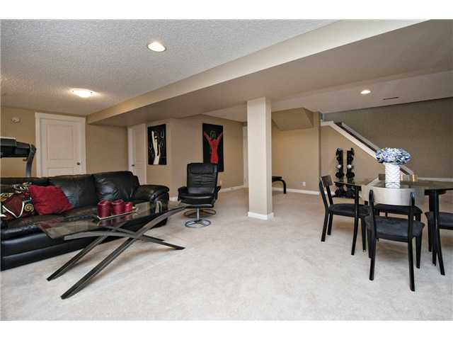 Photo 14: 6628 LAW Drive SW in CALGARY: Lakeview Residential Detached Single Family for sale (Calgary)  : MLS® # C3594389