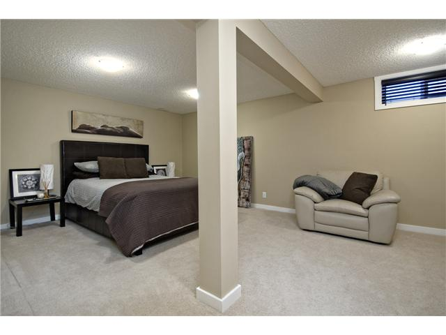 Photo 17: 6628 LAW Drive SW in CALGARY: Lakeview Residential Detached Single Family for sale (Calgary)  : MLS® # C3594389