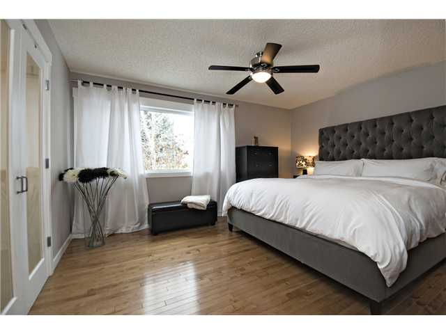Photo 9: 6628 LAW Drive SW in CALGARY: Lakeview Residential Detached Single Family for sale (Calgary)  : MLS® # C3594389