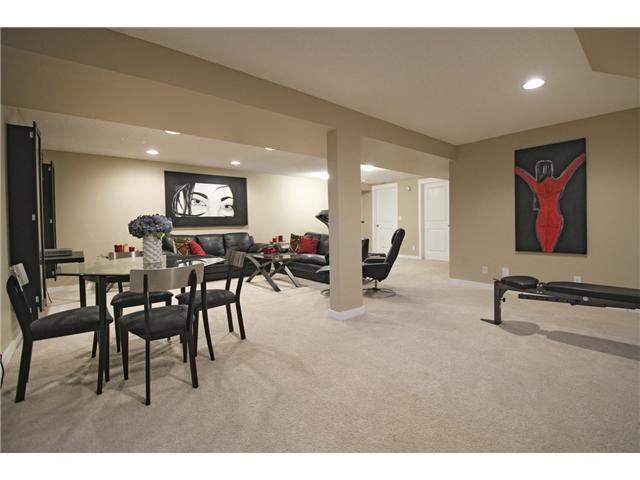 Photo 15: 6628 LAW Drive SW in CALGARY: Lakeview Residential Detached Single Family for sale (Calgary)  : MLS® # C3594389