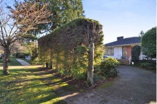 Main Photo: 3070 W 44TH Avenue in Vancouver: Kerrisdale House for sale (Vancouver West)  : MLS® # R2227532