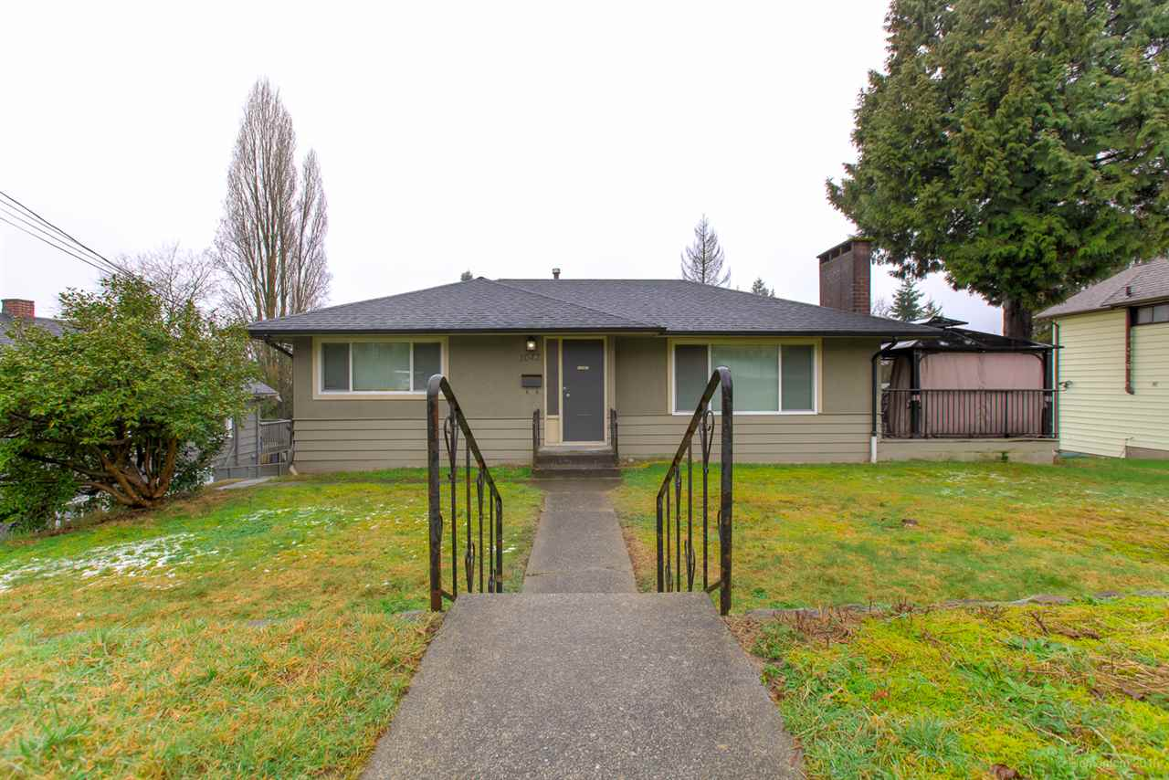 FEATURED LISTING: 1042 ALDERSON Avenue Coquitlam