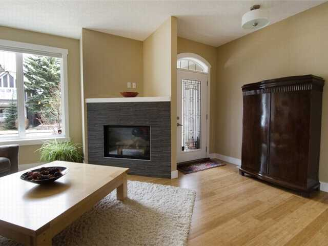 Photo 5: 1 523 34 Street NW in CALGARY: Parkdale Townhouse for sale (Calgary)  : MLS® # C3473184