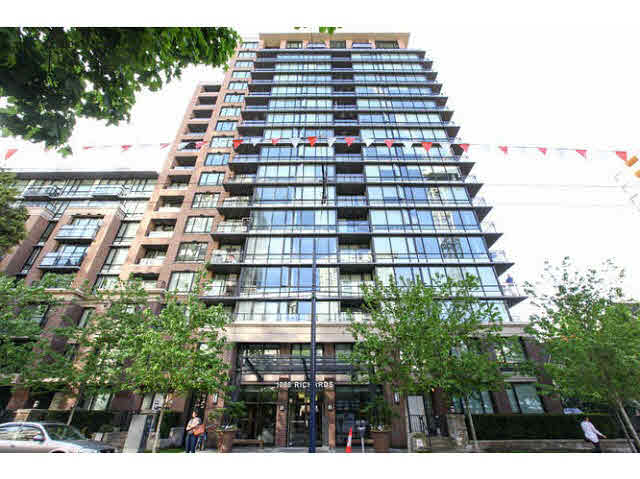 FEATURED LISTING: 403 - 1088 RICHARDS Street Vancouver