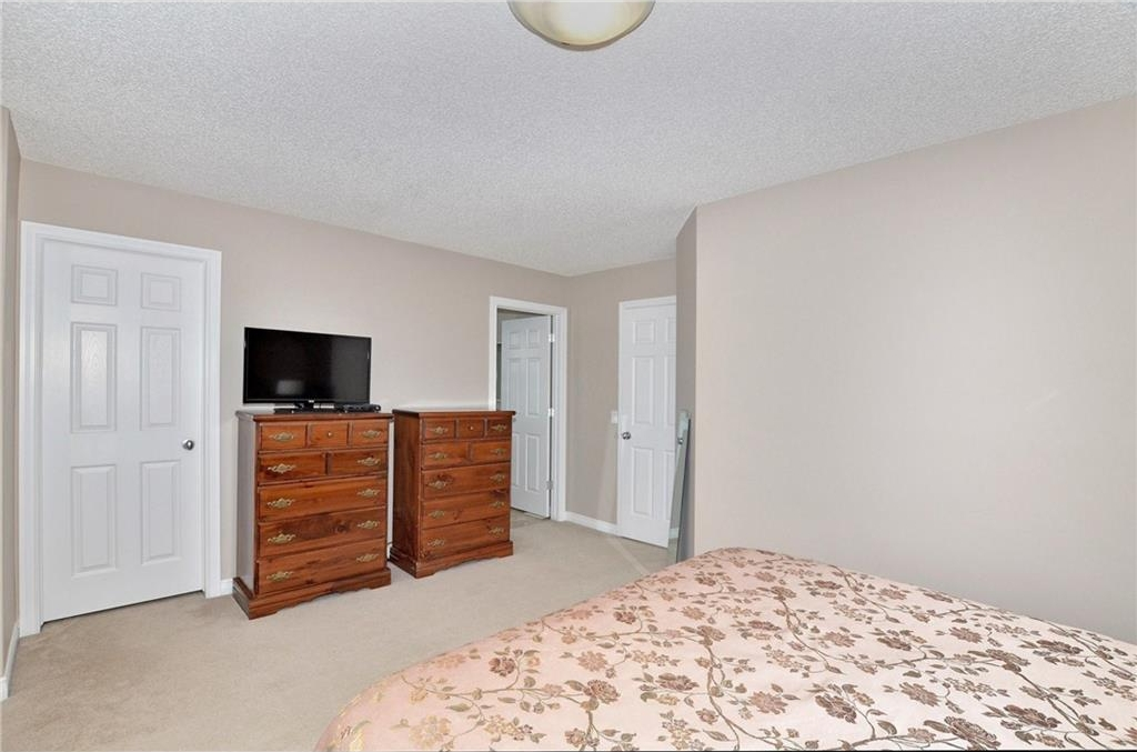 Large master bedroom with walk in closet and a 3pce ensuite