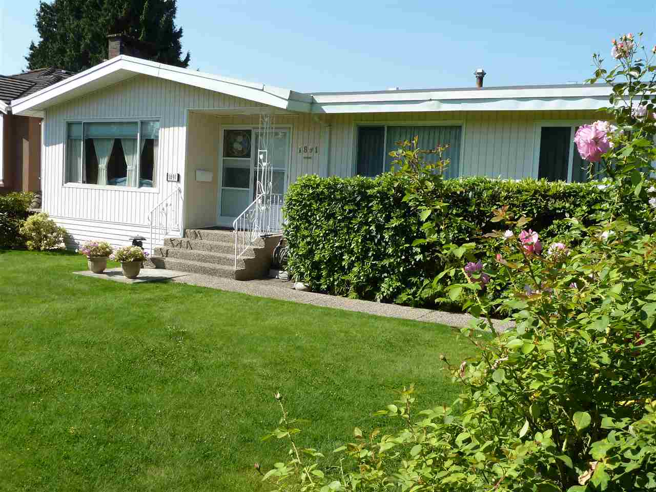 FEATURED LISTING: 1891 SPERLING Avenue Burnaby