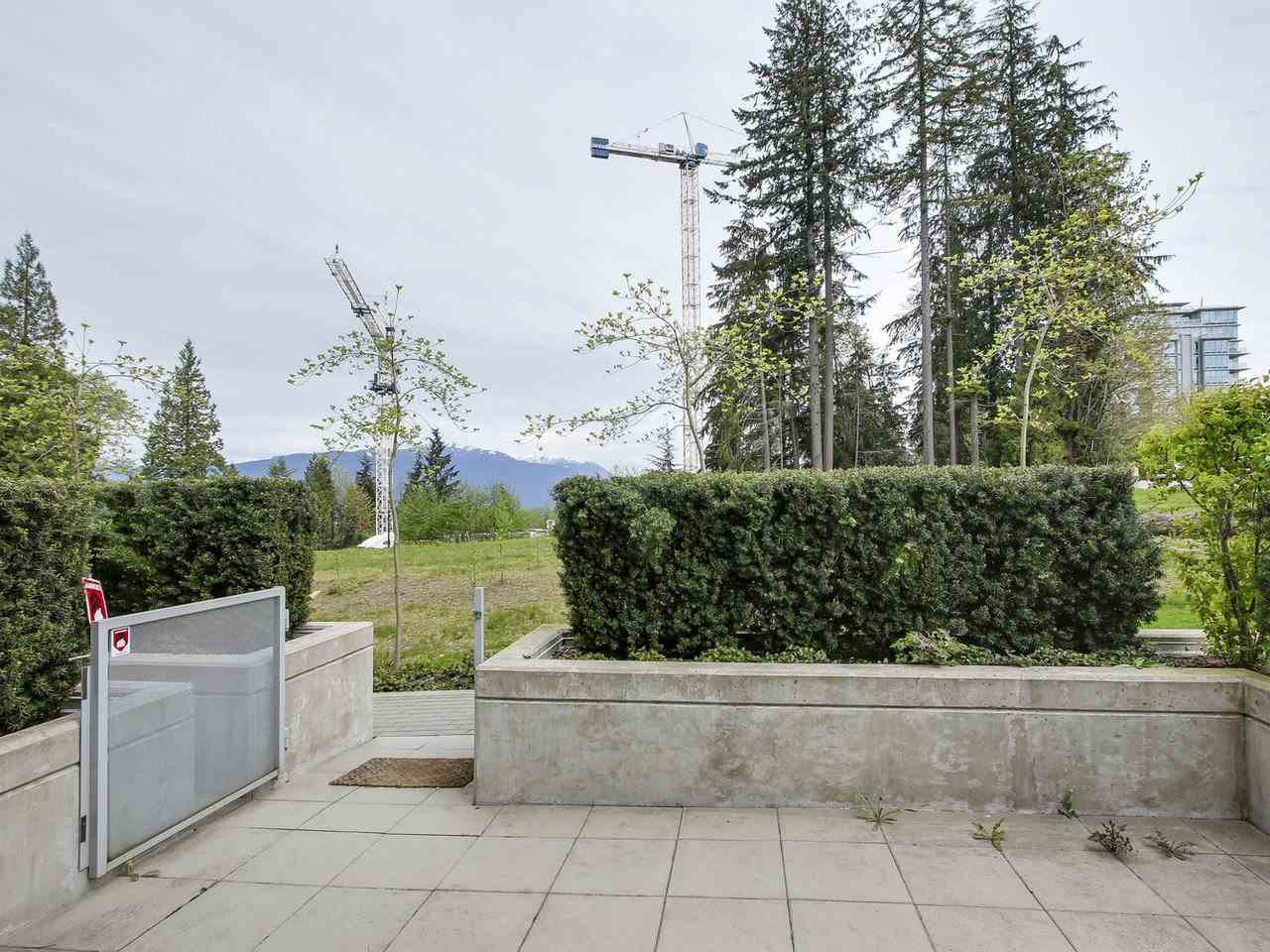 "Photo 11: 112 9025 HIGHLAND Court in Burnaby: Simon Fraser Univer. Townhouse for sale in ""HIGHLAND HOUSE"" (Burnaby North)  : MLS® # R2163984"