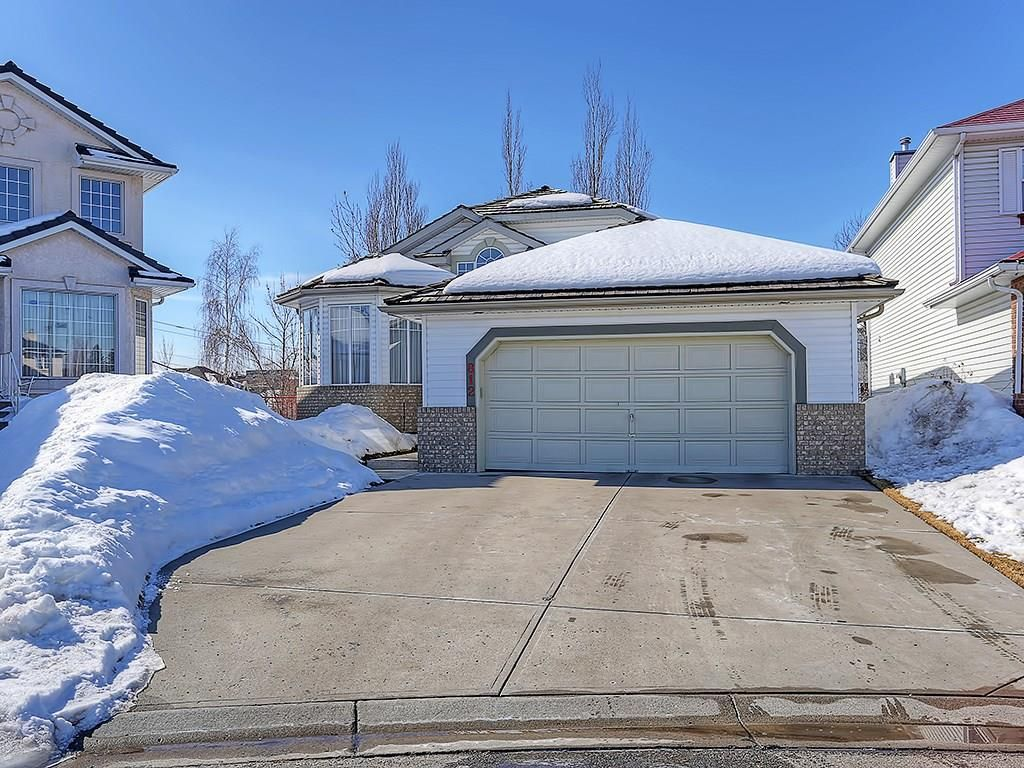 FEATURED LISTING: 812 RIVERVIEW Place Southeast Calgary