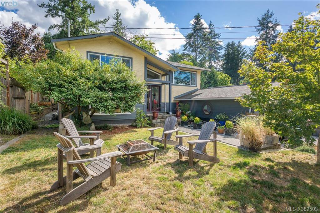Main Photo: 973 Marchant Road in BRENTWOOD BAY: CS Brentwood Bay Single Family Detached for sale (Central Saanich)  : MLS®# 382503