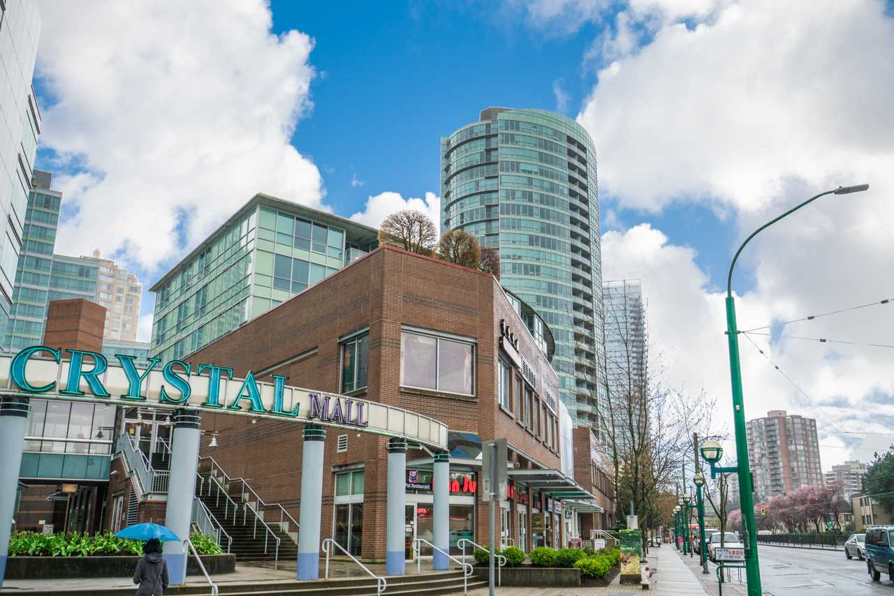 Main Photo: 2908 6088 WILLINGDON Avenue in Burnaby: Metrotown Condo for sale (Burnaby South)  : MLS®# R2277113