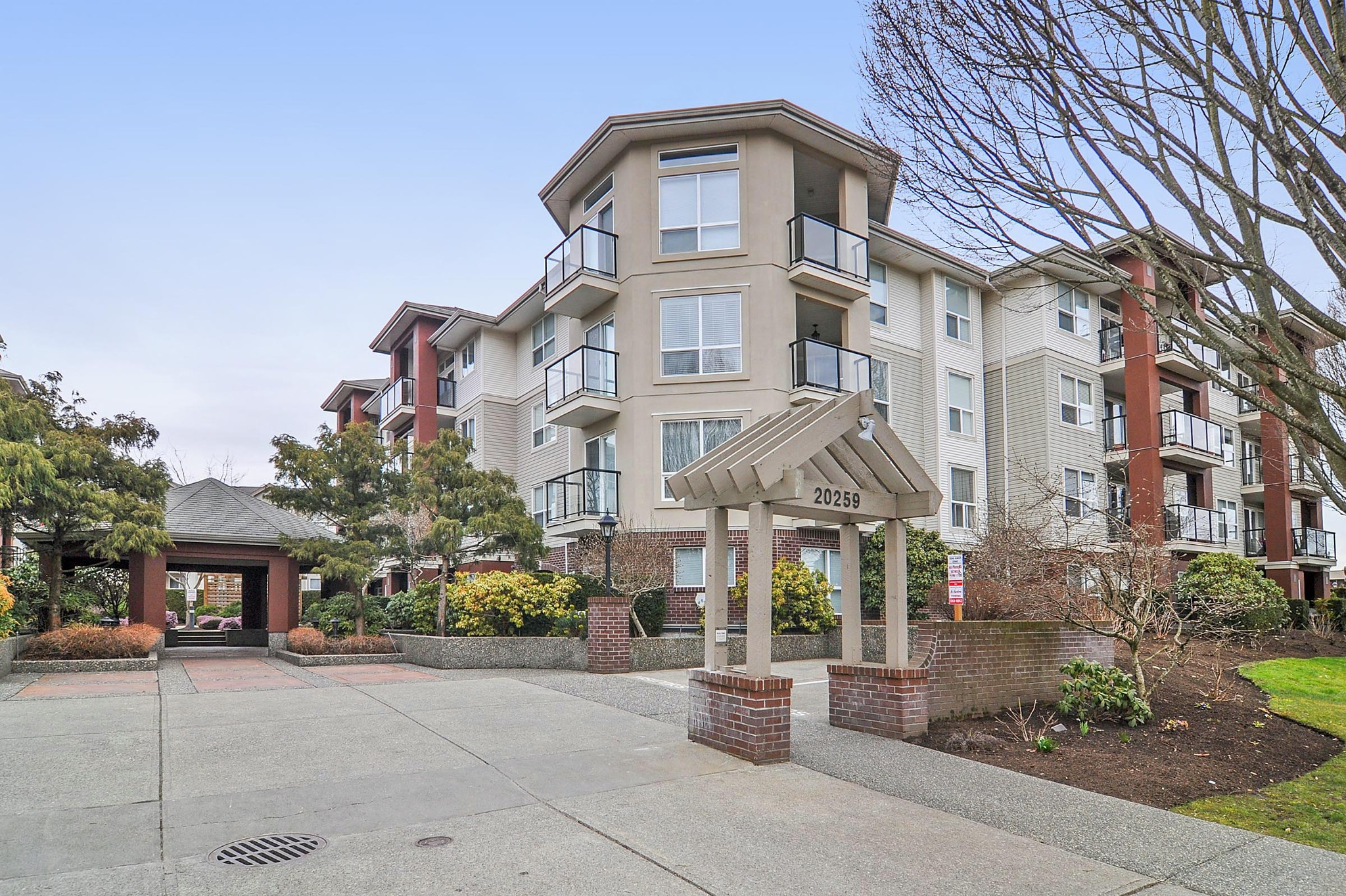 FEATURED LISTING: 418 - 20259 MICHAUD Crescent Langley