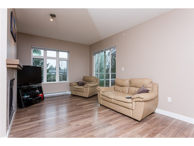 "Photo 7: 403 2368 MARPOLE Avenue in Port Coquitlam: Central Pt Coquitlam Condo for sale in ""RIVER ROCK LANDING"" : MLS® # V1101587"