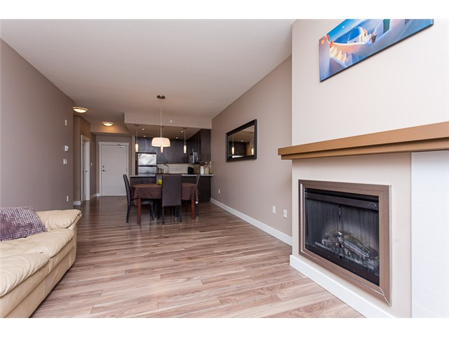 "Photo 8: 403 2368 MARPOLE Avenue in Port Coquitlam: Central Pt Coquitlam Condo for sale in ""RIVER ROCK LANDING"" : MLS® # V1101587"