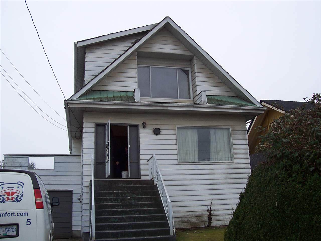 Main Photo: 1696 E 15TH Avenue in Vancouver: Victoria VE House for sale (Vancouver East)  : MLS® # R2206246