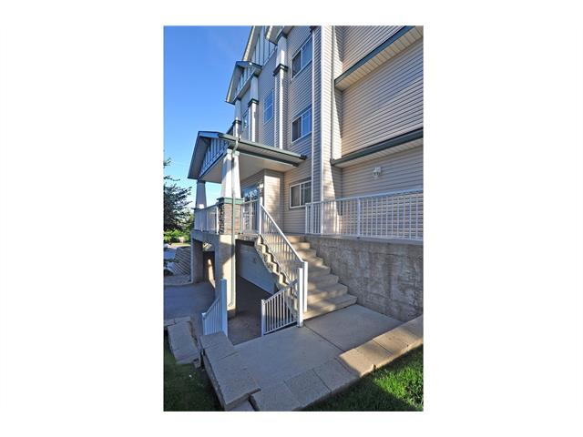 Photo 2: 104 11 SOMERVALE View SW in Calgary: Somerset Condo for sale : MLS® # C4023958