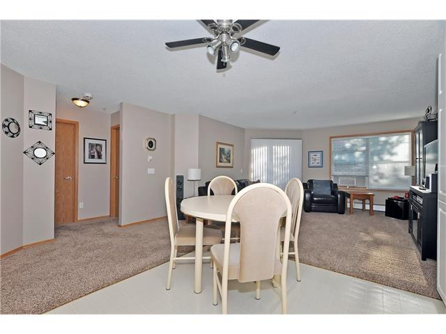 Photo 9: 104 11 SOMERVALE View SW in Calgary: Somerset Condo for sale : MLS® # C4023958