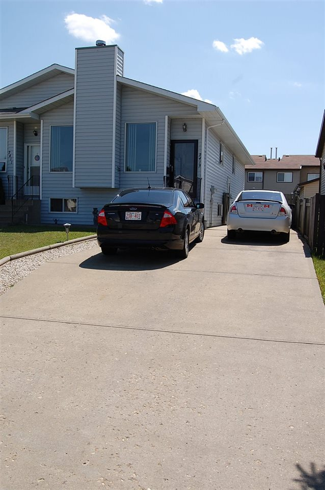 Main Photo: 2413 149 Avenue in Edmonton: Zone 35 House Half Duplex for sale : MLS® # E4072422