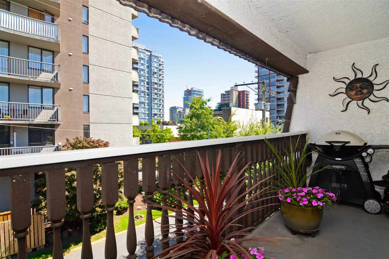 "Photo 15: 307 1610 CHESTERFIELD Avenue in North Vancouver: Central Lonsdale Condo for sale in ""Canterbury House"" : MLS(r) # R2096550"