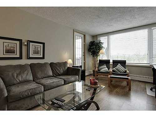 Main Photo: 460 8 Street SW in Calgary: Single Level Apartment for sale : MLS® # C3571101