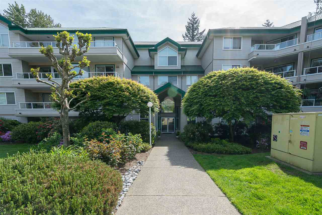 "Main Photo: 329 2750 FAIRLANE Street in Abbotsford: Central Abbotsford Condo for sale in ""The Fairlane"" : MLS® # R2171931"
