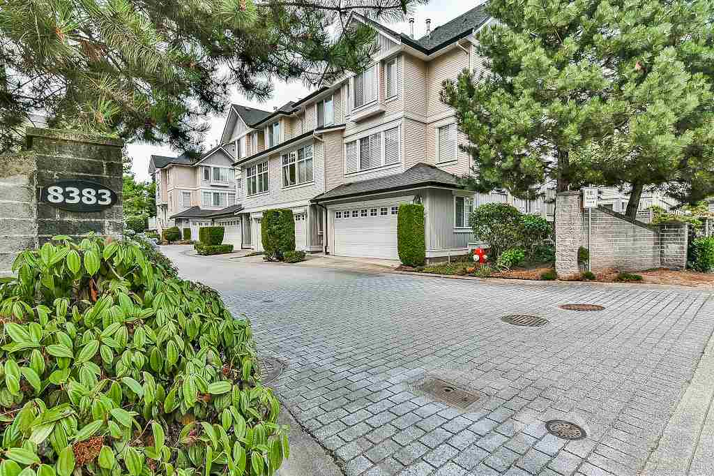 "Main Photo: 39 8383 159 Street in Surrey: Fleetwood Tynehead Townhouse for sale in ""AVALON WOODS"" : MLS® # R2194624"