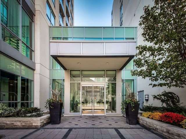 FEATURED LISTING: 618 - 120 Homewood Avenue Toronto
