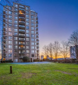 Main Photo: 707 55 TENTH Street in New Westminster: Downtown NW Condo for sale : MLS® # R2241839