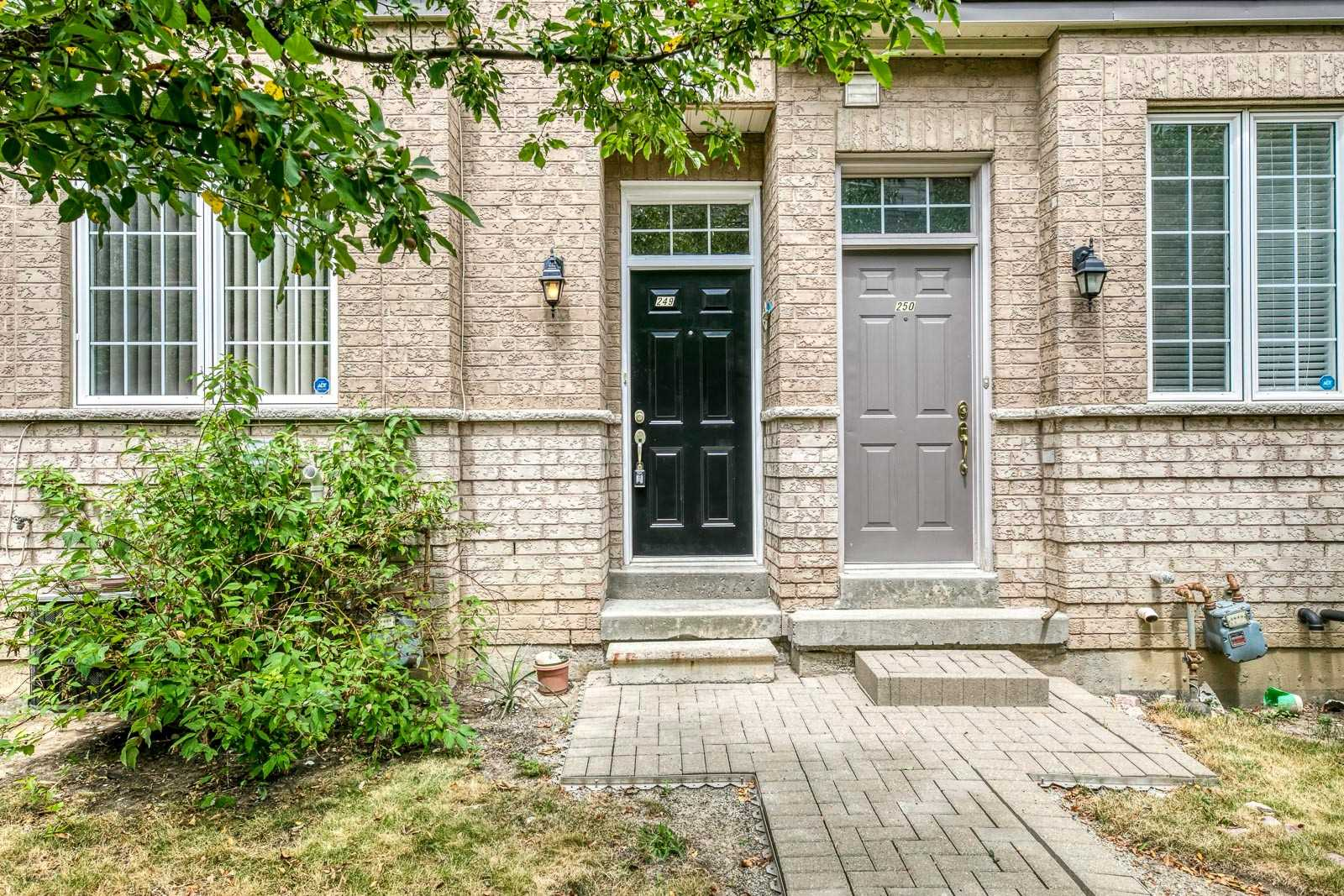 FEATURED LISTING: 249 - 23 Observatory Lane Richmond Hill