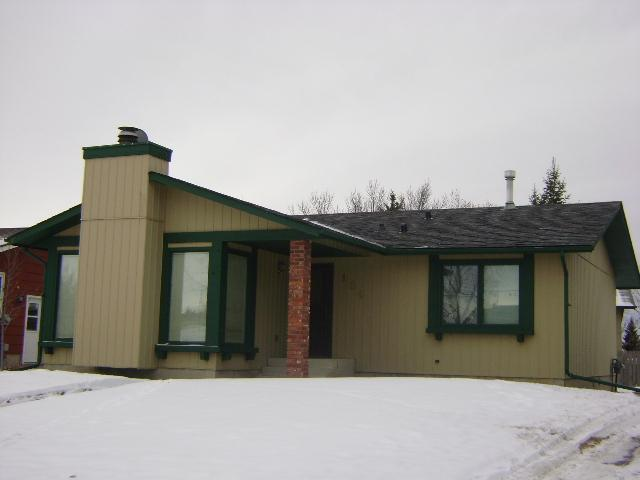 Main Photo: 104 WALDRON Avenue: Okotoks Residential Detached Single Family for sale : MLS® # C3593344