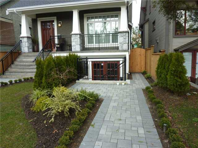 Main Photo: 3647 W 1ST AV in Vancouver: Kitsilano House 1/2 Duplex for sale (Vancouver West)  : MLS® # V935236