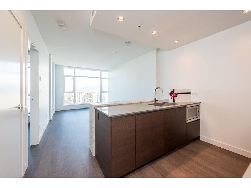 FEATURED LISTING: 3207 - 4670 ASSEMBLY Way Burnaby