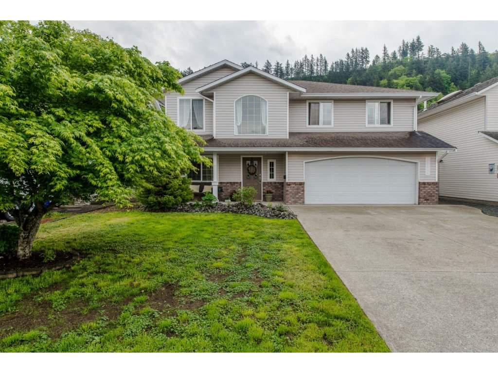 Main Photo: 45928 SPRINGFIELD Place in Sardis: Vedder S Watson-Promontory House for sale : MLS®# R2165975