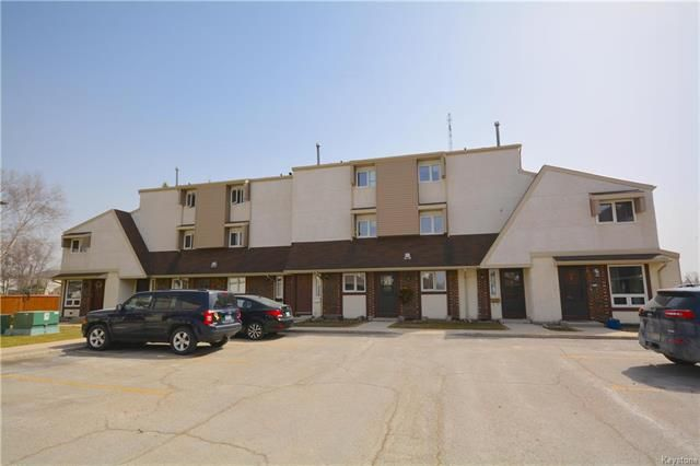 Main Photo: 26 Sonnichsen Place in Winnipeg: Crestview Condominium for sale (5H)  : MLS®# 1810662
