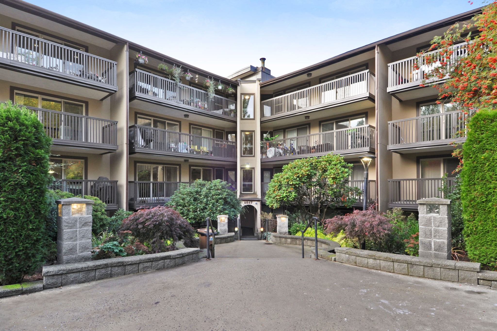 FEATURED LISTING: 311 - 9847 MANCHESTER Drive Burnaby