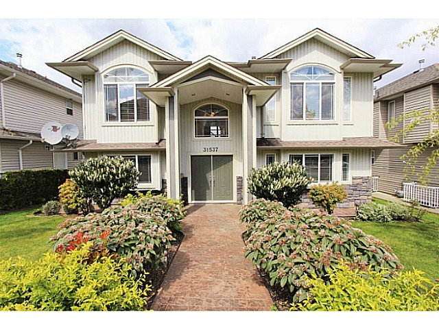 Main Photo: 31537 BLUERIDGE Drive in Abbotsford: Abbotsford West House for sale : MLS® # F1438467