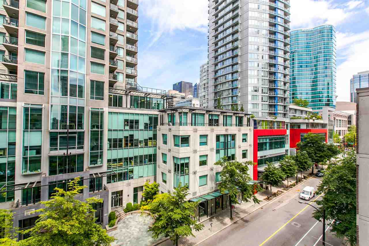 FEATURED LISTING: 704 - 888 HOMER Street Vancouver