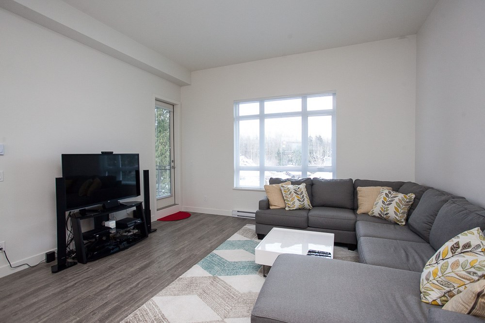 "Photo 8: 411 13919 FRASER Highway in Surrey: Whalley Condo for sale in ""VERVE"" (North Surrey)  : MLS® # R2129635"
