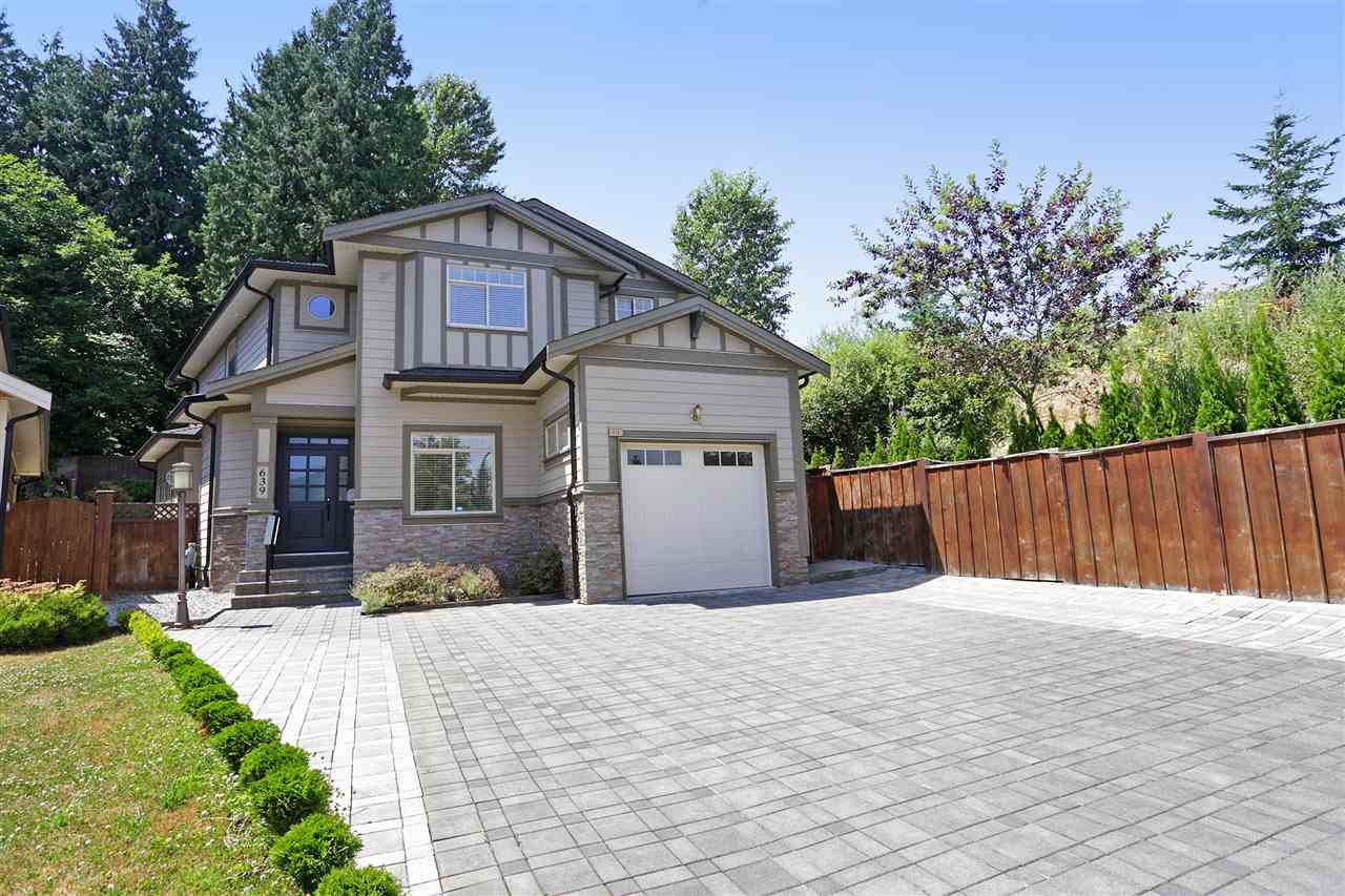 "Main Photo: 639 W 24TH Close in North Vancouver: Hamilton House for sale in ""CASCADE ESTATES"" : MLS® # R2186838"