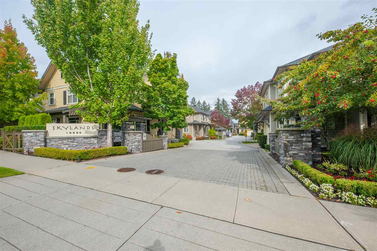 Main Photo: 36 15885 26 Avenue in Surrey: Grandview Surrey Townhouse for sale (South Surrey White Rock)  : MLS®# R2308827