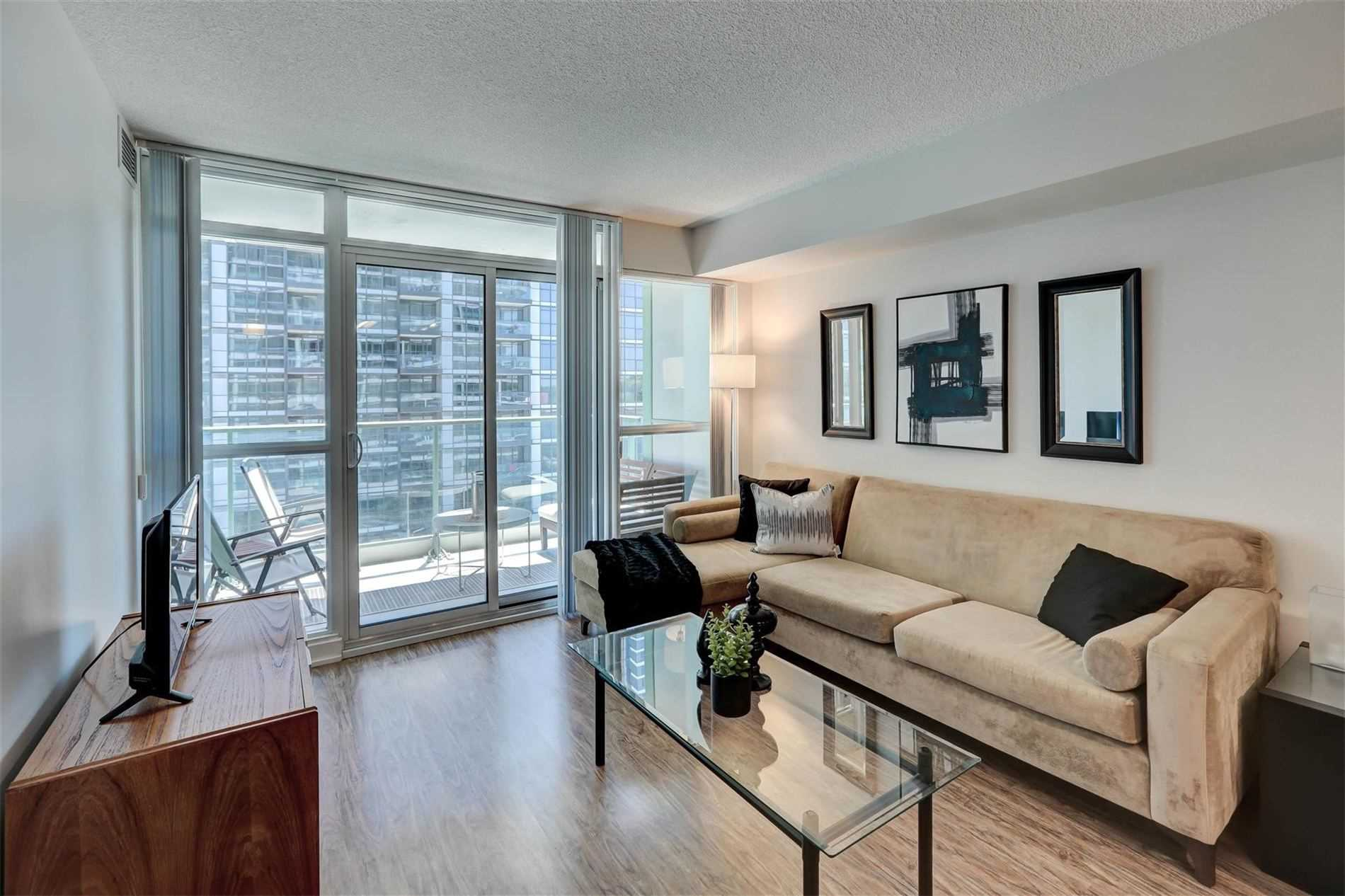 FEATURED LISTING: 712 - 15 Singer Court Toronto