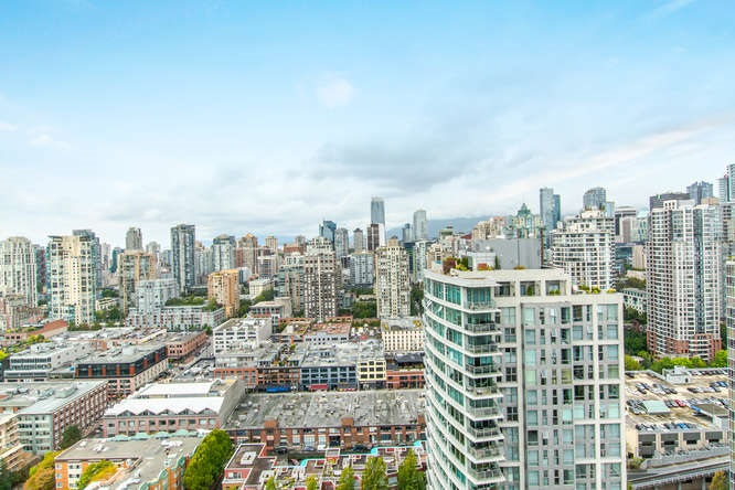 "Main Photo: 3701 1009 EXPO Boulevard in Vancouver: Yaletown Condo for sale in ""LANDMARK 33"" (Vancouver West)  : MLS®# R2106383"