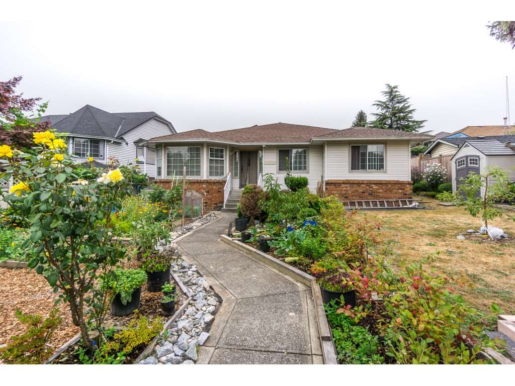 Main Photo: 17989 64 Avenue in Surrey: Cloverdale BC House for sale (Cloverdale)  : MLS® # R2201816