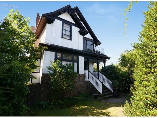 Main Photo: 604 23RD Ave E in Vancouver East: Home for sale : MLS®# V1081783