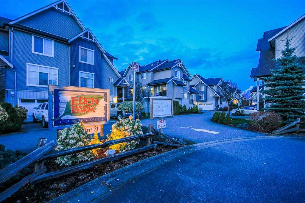 "Main Photo: 31 8881 WALTERS Street in Chilliwack: Chilliwack E Young-Yale Townhouse for sale in ""EDEN PARK"" : MLS®# R2114888"