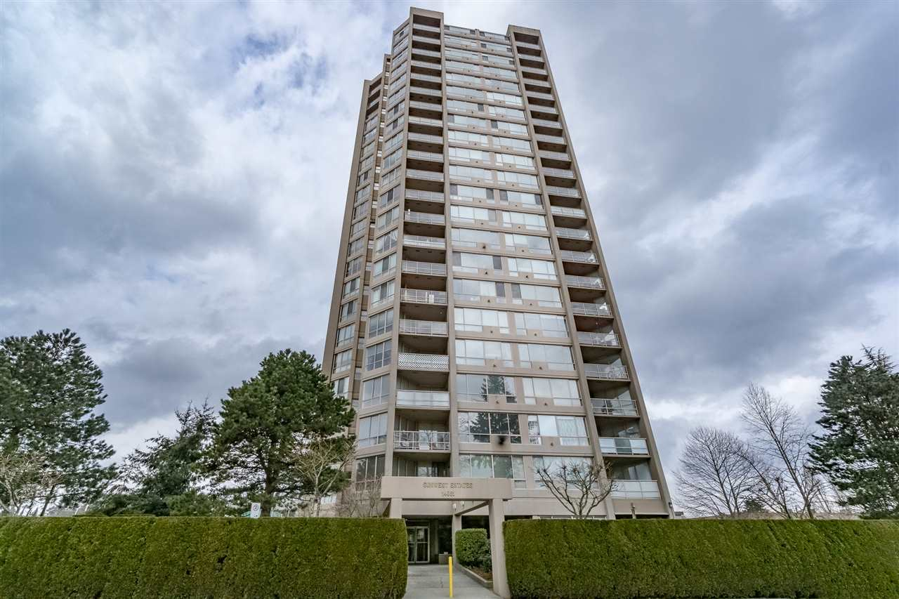 Main Photo: 1606 14881 103A Avenue in Surrey: Guildford Condo for sale (North Surrey)  : MLS®# R2313907