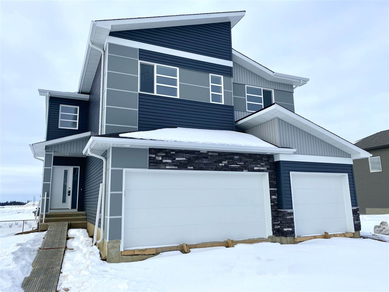 FEATURED LISTING: 51 RATELLE Circle St. Albert