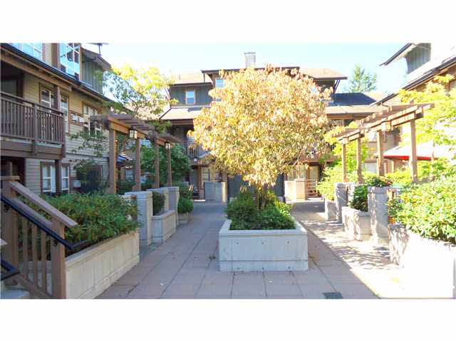 "Main Photo: 206 1174 WINGTIP Place in Squamish: Downtown SQ Condo for sale in ""TALON AT EAGLEWIND"" : MLS®# V1138246"